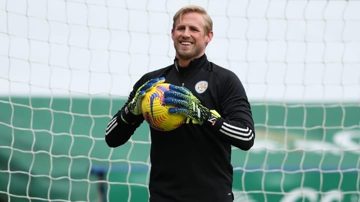 Slavia Prague claim Kasper Schmeichel is overweight ...