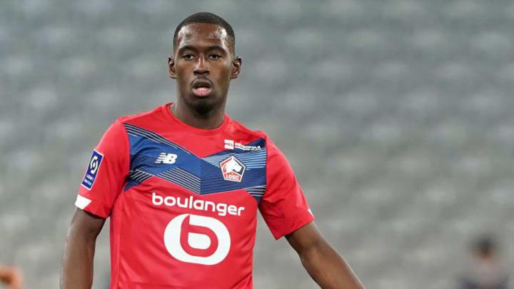 Boubakary Soumare plait à Manchester United.