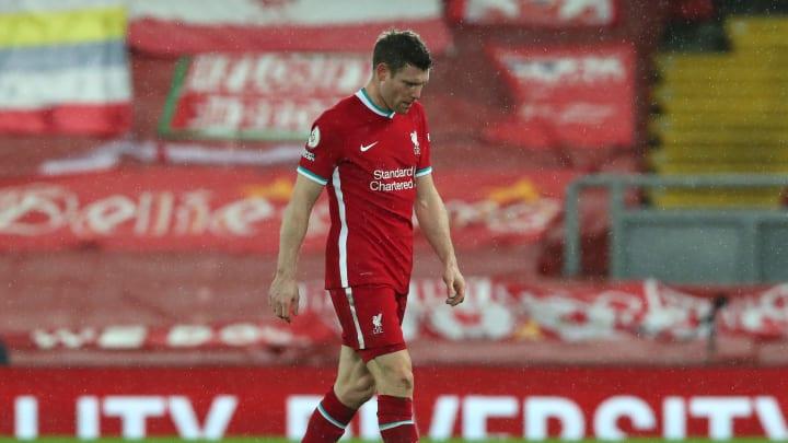 James Milner trottet nach der zweiten Heim-Niederlage in Folge vom Platz