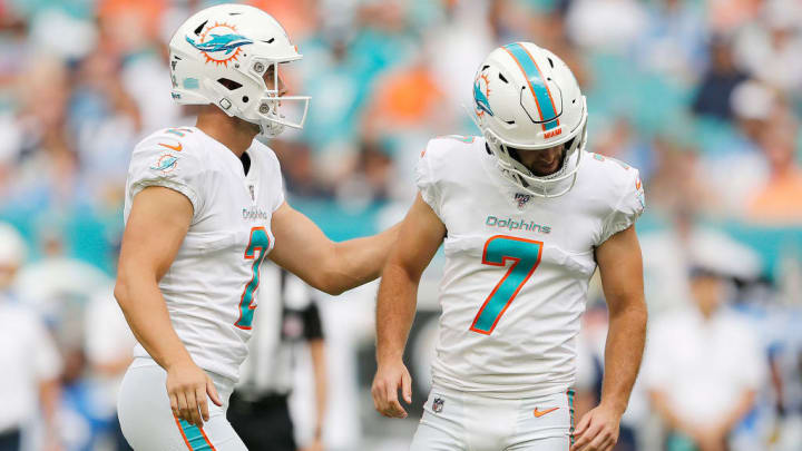 MIAMI, FLORIDA - SEPTEMBER 29:  Jason Sanders #7 of the Miami Dolphins reacts after missing a field goal against the Los Angeles Chargers during the second quarter at Hard Rock Stadium on September 29, 2019 in Miami, Florida. (Photo by Michael Reaves/Getty Images)