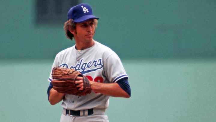 Don Sutton ganó 324 juegos como abridor en la MLB
