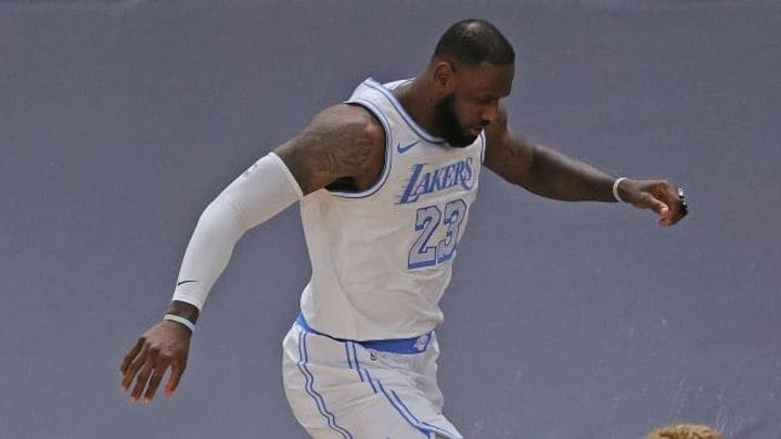 A sus 36 años LeBron es una de las fuerzas más dominantes de la NBA