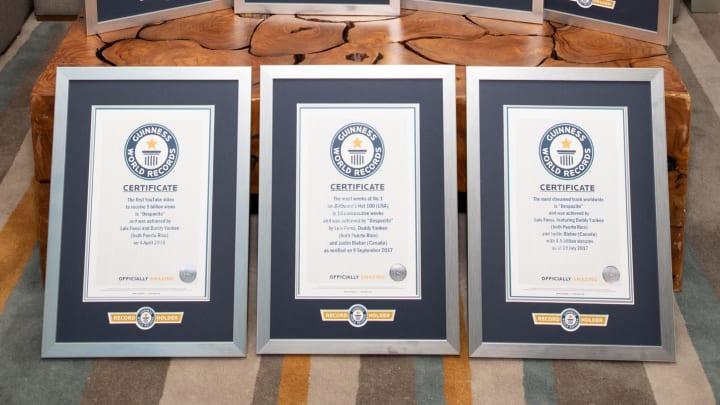 Guinness Rekorlar Kitabı'na adını yazdırmayı başaran insanlara verilen sertifika.