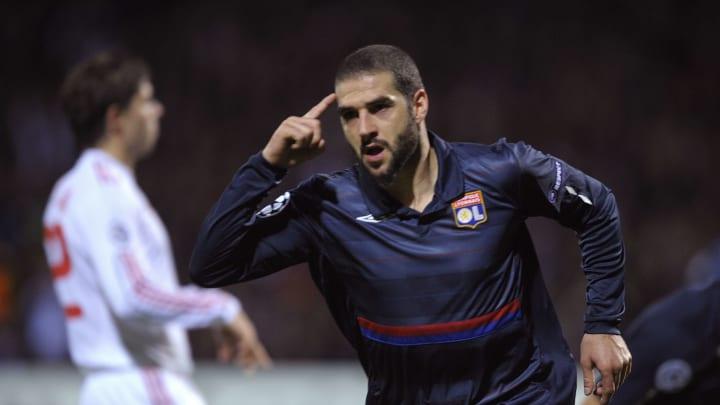 Élu meilleur joueur de L1 lors de cette saison 2009-10, Lisandro Lopez constituait alors le transfert le plus cher de l'histoire du Ch.FRA (24 m d'€)