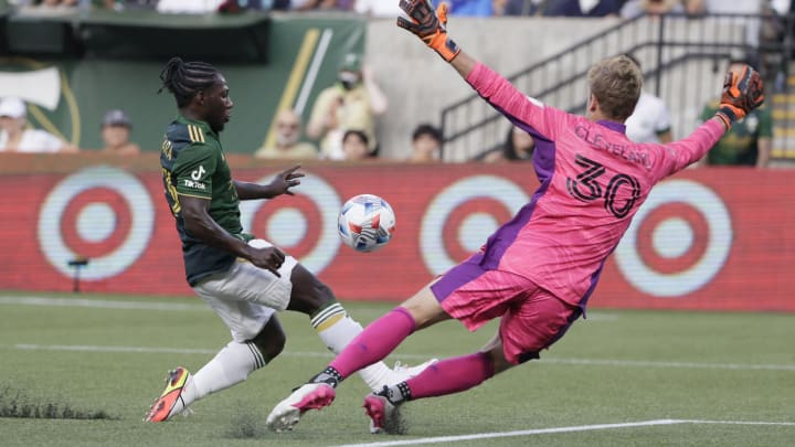 Cleveland made seven saves against the Timbers on Sunday.