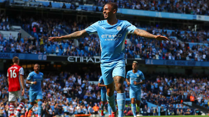 Gabriel Jesus bejubelt seinen Treffer zum 3:0.