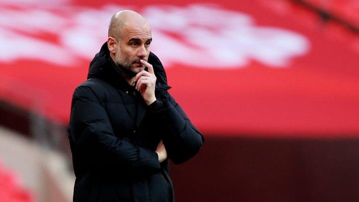 Guardiola tiene dos años más de contrato con el City