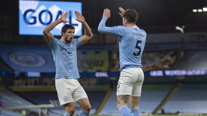 Zagueiros do Manchester City são a explicação para o sucesso do time nesta temporada