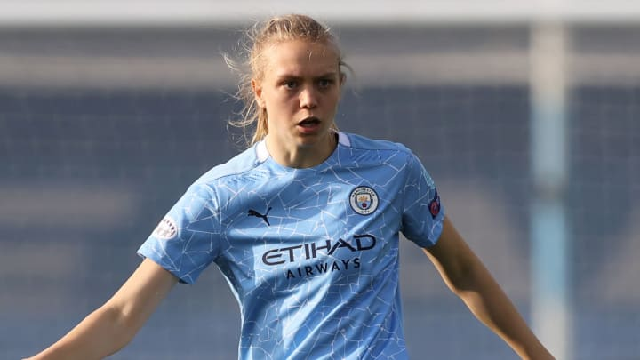 Uncapped defender Esme Morgan has been added to the England squad