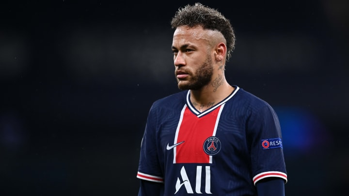 La prolongation de Neymar au PSG passe mal en Catalogne