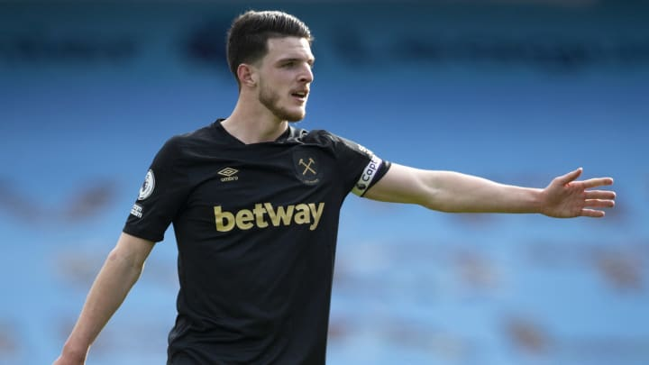 Declan Rice is interested in joining Man Utd & has asked England teammates about the club