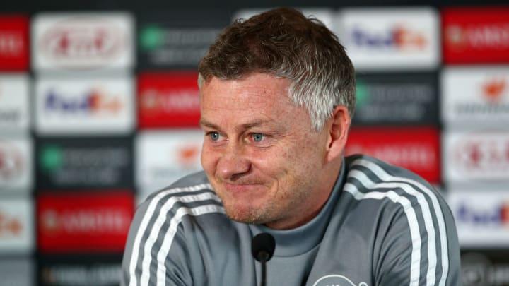 Ole Gunnar Solskjaer wants to fit Pogba & Fernandes in same team