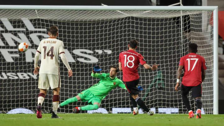Il rigore del 4-2 di Bruno Fernandes