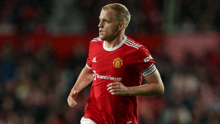 Donny van de Beek can barely get a game at the moment