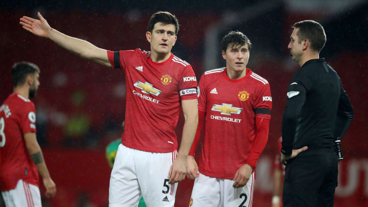 Harry Maguire & Victor Lindelof each have a problem at Man Utd