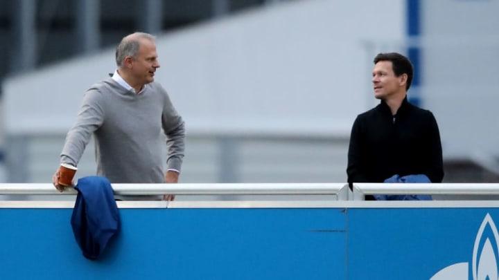 Jochen Schneider (mit Sascha Riether) wird Schalke verlassen