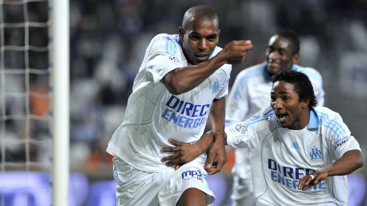 Marseille's defender Ronald Zubar (L) ce