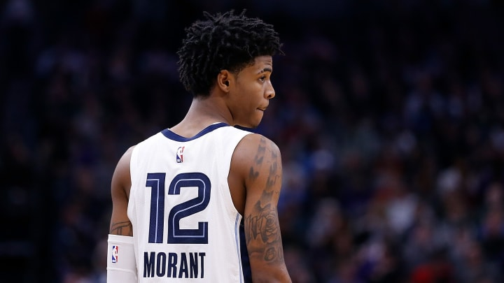 Ja Morant leads all rookies in average points (17.8) and assists (6.9).