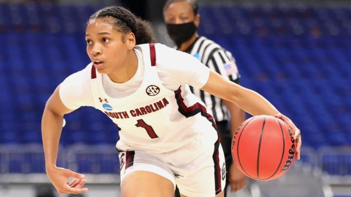 Texas vs South Carolina spread, line, odds and predictions for Women's NCAA Tournament.