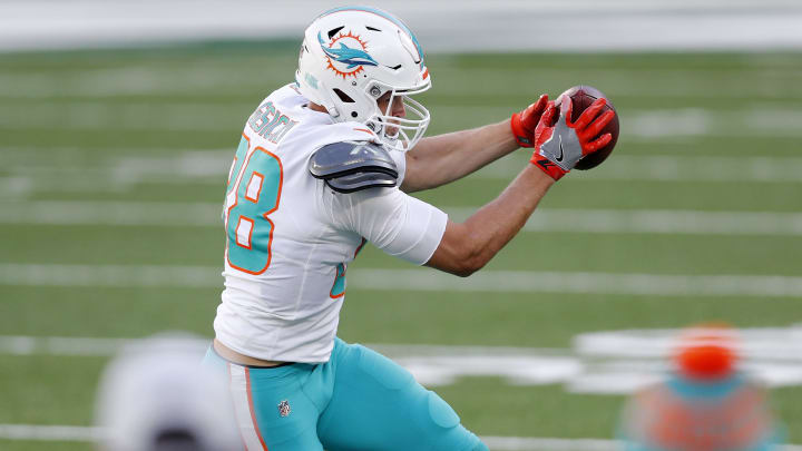 Mike Gesicki's fantasy outlook comes with safe top-12 TE floor for the 2021 season.