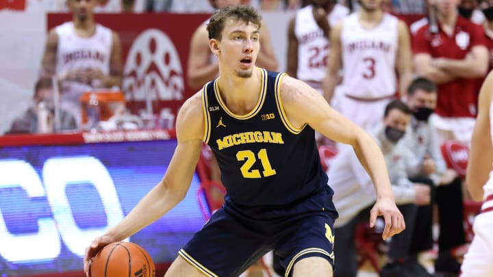 College basketball picks today: ATS picks and predictions from The Duel staff for Thursady, 3/4/21.