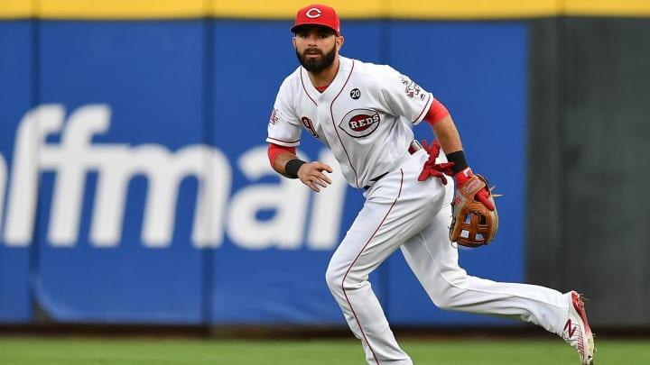Cincinnati Reds' Jose Peraza fields ball against Brewers