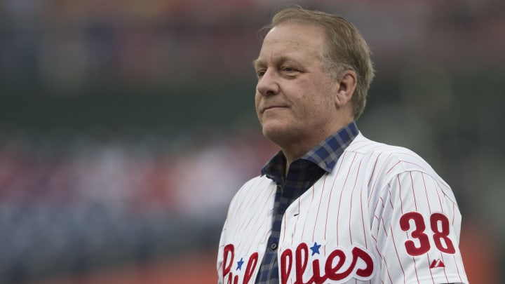 Schilling jugó en la MLB con los Filis, los Cascabeles y los Medias Rojas