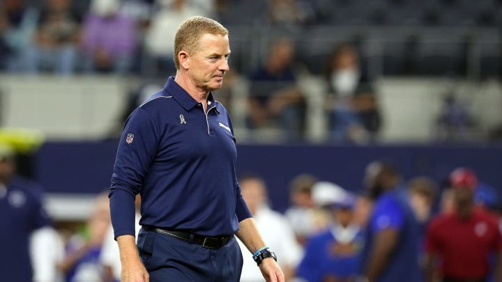 ARLINGTON, TEXAS - NOVEMBER 10: Dallas Cowboys head coach JAson Garrett stand on the field during warm ups before the game against the Minnesota Vikingsat AT&T Stadium on November 10, 2019 in Arlington, Texas. (Photo by Richard Rodriguez/Getty Images)