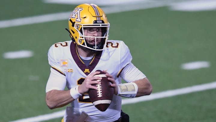 Iowa vs Minnesota prediction, picks, betting odds and spread for college football.