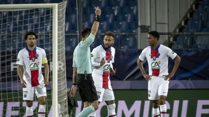 Neymar fue amonestado ayer y se pierde la final de Copa