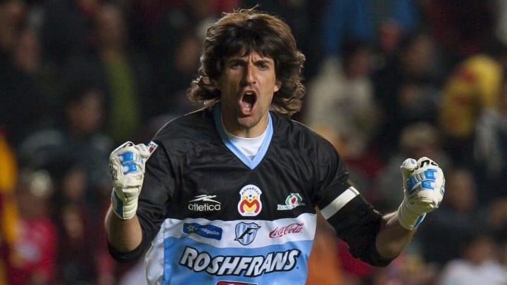 El portero Federico Vilar celebra un gol.