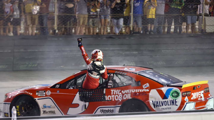 Kyle Larson is the favorite to win the South Point 400.