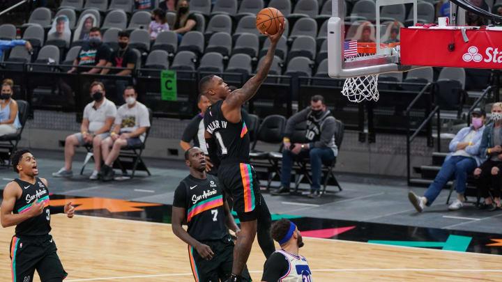 May 2, 2021; San Antonio, Texas, USA;  San Antonio Spurs guard Lonnie Walker IV (1)