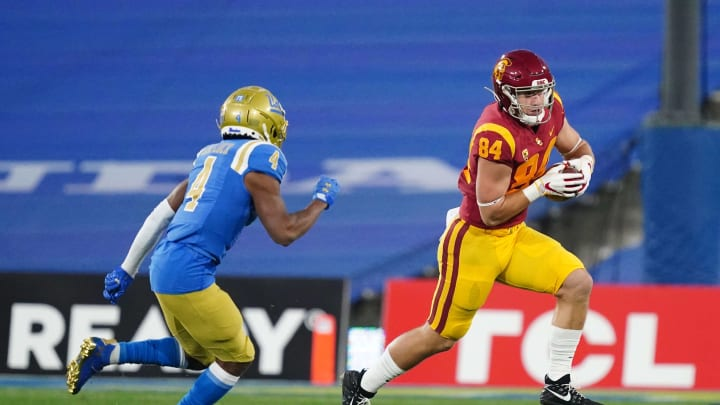 USC football tight end Erik Krommenhoek.