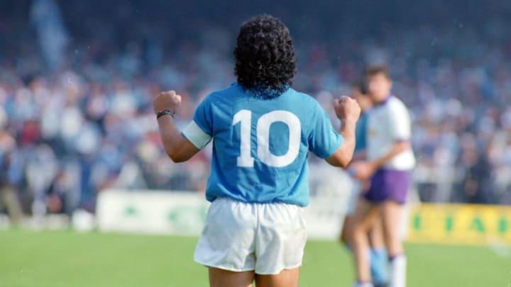 Maradona avec le numéro 10 à Naples