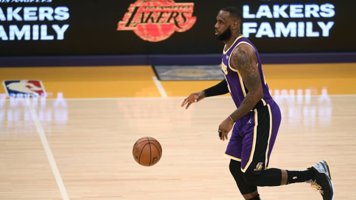 Golden State Warriors vs Los Angeles Lakers prediction, odds, over, under, spread, prop bets for NBA betting lines tonight, Monday, January 18.