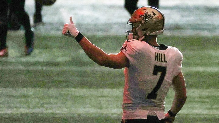 Taysom Hill thumbs up.