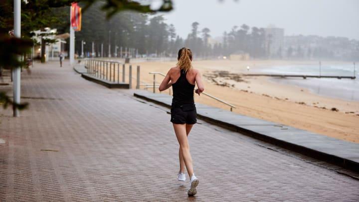 Algunos beneficios del running son: pérdida de peso, reducción de estrés y mejor vida sexual