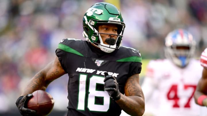 EAST RUTHERFORD, NEW JERSEY - NOVEMBER 10: Demaryius Thomas #18 of the New York Jets runs the ball in the second half of their game against the New York Giants at MetLife Stadium on November 10, 2019 in East Rutherford, New Jersey. (Photo by Emilee Chinn/Getty Images)