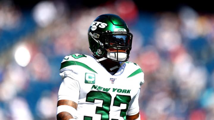 FOXBOROUGH, MASSACHUSETTS - SEPTEMBER 22: Jamal Adams #33 of the New York Jets warms up prior to the game against the New England Patriots at Gillette Stadium on September 22, 2019 in Foxborough, Massachusetts. (Photo by Adam Glanzman/Getty Images)