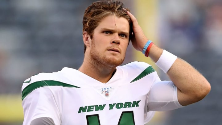 EAST RUTHERFORD, NEW JERSEY - AUGUST 08:  Sam Darnold #14 of the New York Jets warms up before the game against the New York Giants during a preseason matchup at MetLife Stadium on August 08, 2019 in East Rutherford, New Jersey. (Photo by Elsa/Getty Images)