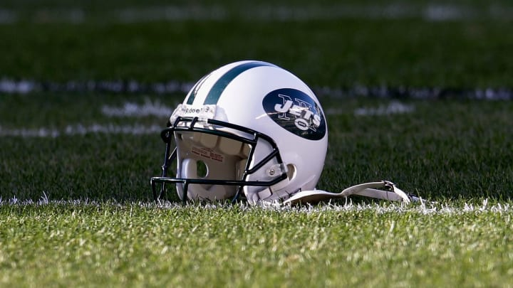 PHILADELPHIA, PA - DECEMBER 18: A New York Jets helmet sits on the field before the start of the Jets and Philadelphia Eagles game at Lincoln Financial Field on December 18, 2011 in Philadelphia, Pennsylvania.  (Photo by Rob Carr/Getty Images)