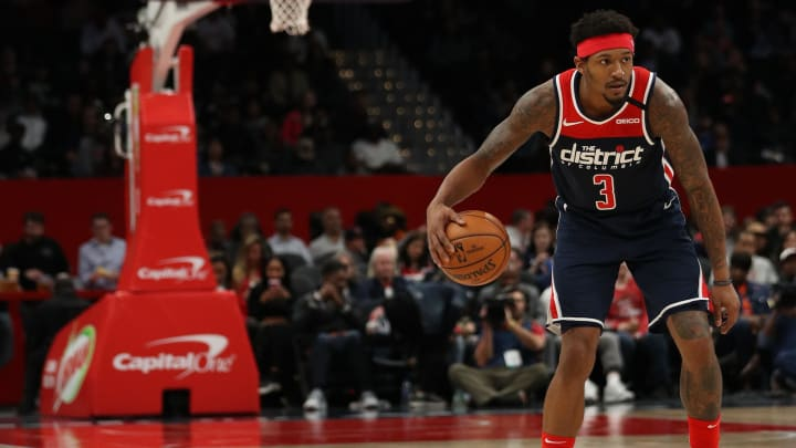 Bradley Beal dribbling up the court in a game vs. the Knicks