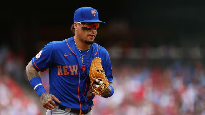 Los Yankees deben considerar las ventajas y desventajas de firmar a Javier Báez