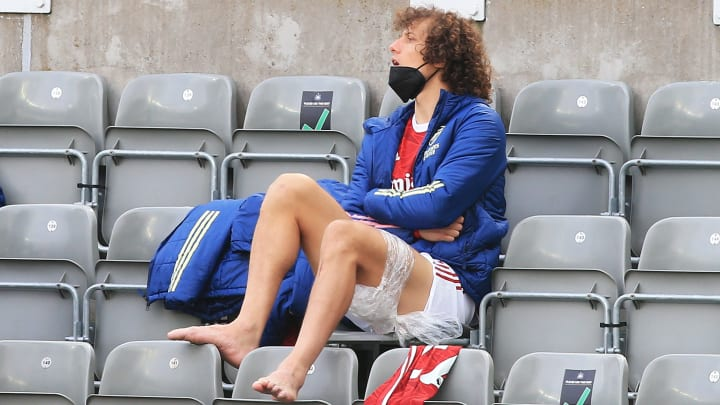 David Luiz ices his hamstring during the Newcastle game