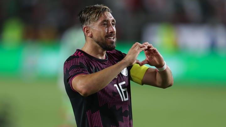 Héctor Herrera portó el gafete de capitán y marcó un doblete en la victoria 4-0 de México sobre Nigeria.