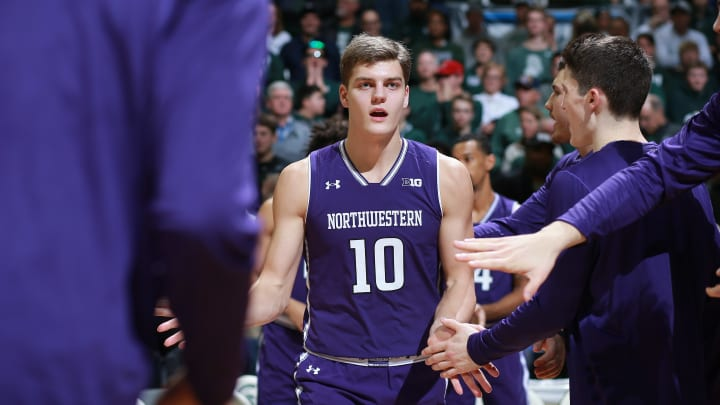 Illinois vs Northwestern spread, line, odds, predictions, over/under & betting insights for college basketball game.