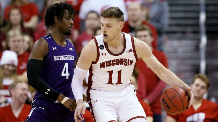 Louisville vs Wisconsin prediction, pick and odds for NCAAM game.