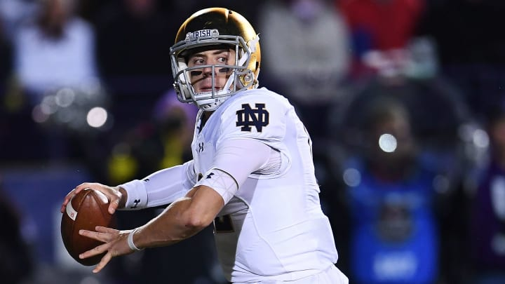 South Florida vs Notre Dame prediction, picks, betting odds and spread for college football.