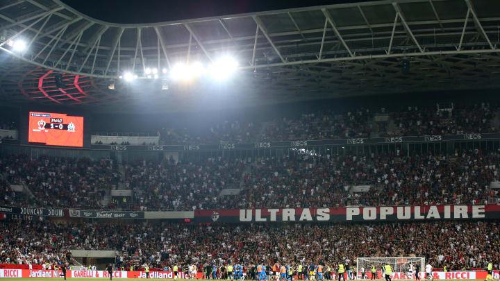Face à Marseille, des dizaines de supporters niçois avaient envahi le terrain.